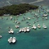 """Salud asegura que en Cayo Caracoles había un """"mar de personas"""" sin mascarillas"""