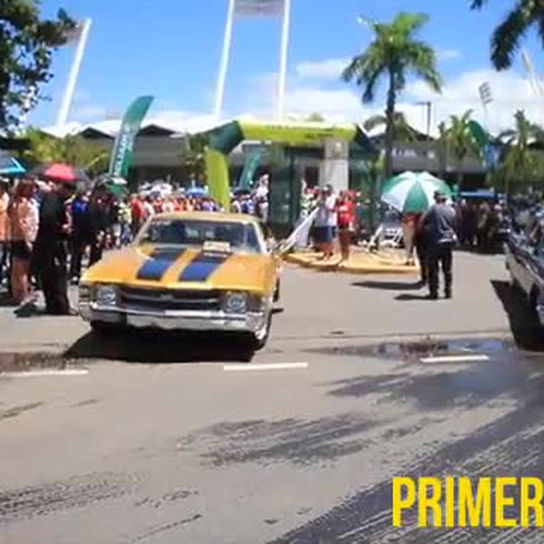 Autos antiguos en busca de récord Guinness