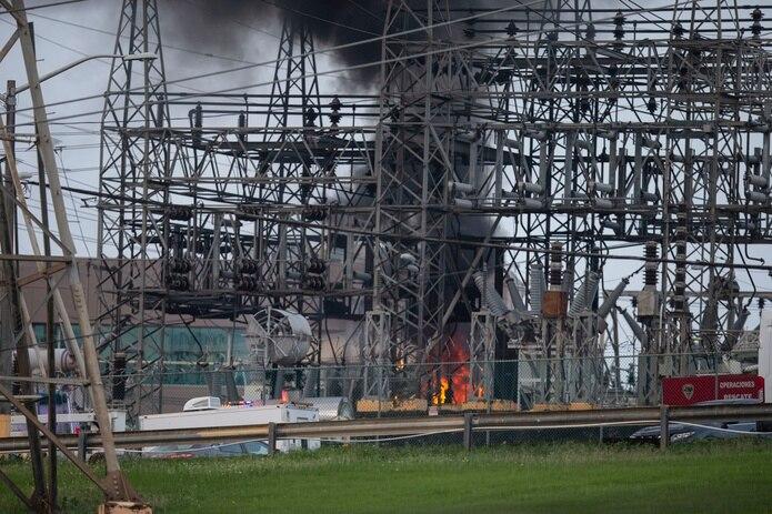 Incendio en la subestación de Monacillos, en San Juan, el 10 de junio de 2021.
