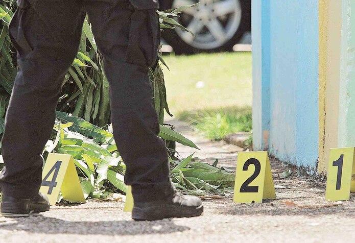 n la escena del crimen de Puerto Nuevo, se ocuparon 80 casquillos de bala calibre .40, 9 milímetros y .223.