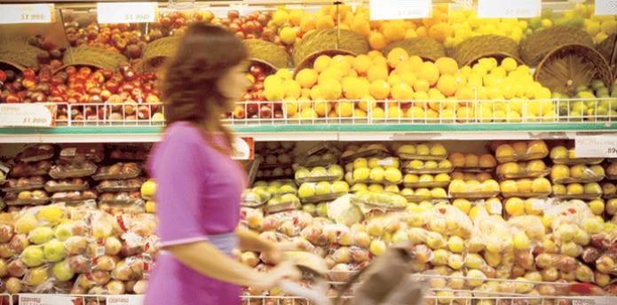 La cadena de Supermercados informó a sus clientes que el 80% de sus tiendas está operando para servir a la comunidad.  (Archivo)