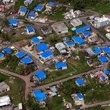 Arranca construcción de viviendas para afectados por huracanes