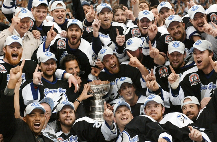Tampa Bay ha ganado dos campeonatos en su historia (2004, 2020). Desde hoy defiende su segundo título con la participación de Cristóval Nieves, de ascendencia puertorriqueña.