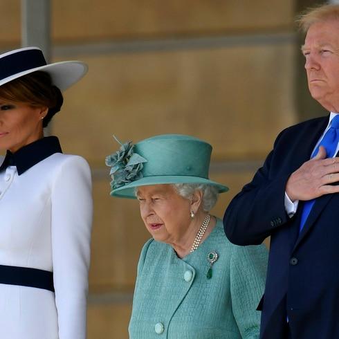 La reina Elizabeth II comparte con Donald Trump en su palacio
