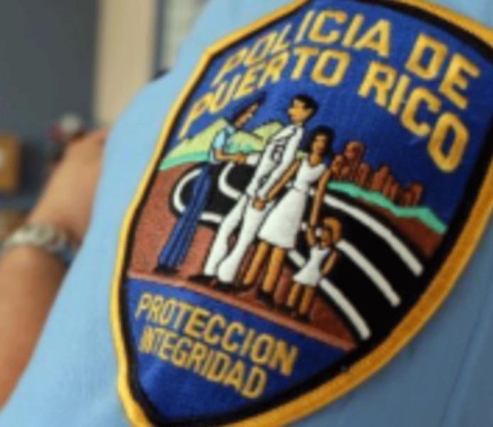 Personal de Homicidios de Bayamón investiga el crimen. (GFR Media)