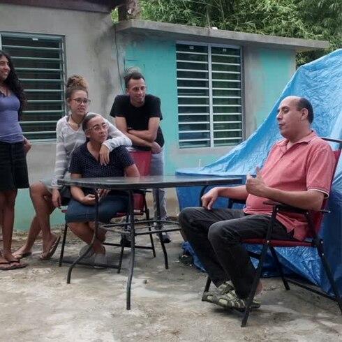 "Familia boricua vuelve a casa luego de dos años: ""Esta Navidad va a ser alegre"""