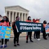 Senadores republicanos se oponen a dar la ciudadanía a millones de indocumentados
