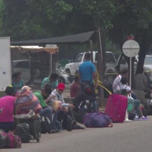 """Migrantes vuelven a Venezuela por el COVID-19: """"Tenemos miedo"""""""