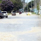Cerrada carretera en Aguada por crecida del Río Culebrinas