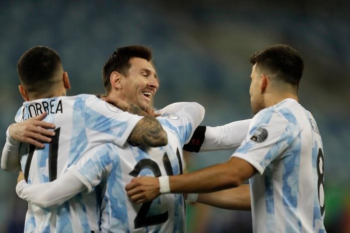 """Lionel Messi, segundo desde la izquierda, ha tenido un buen torneo en la Copa América y ha dicho que es hora de """"dar el golpe""""."""