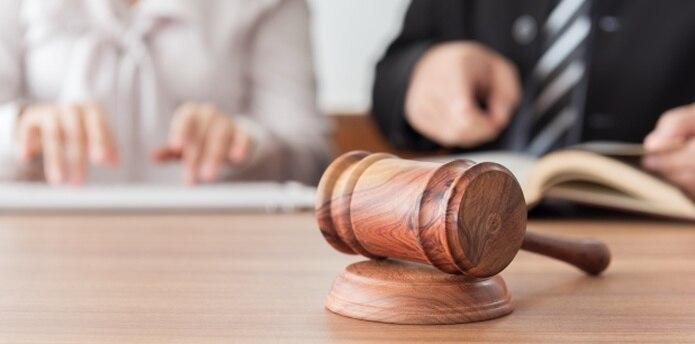 Los efectos de la crisis económica ha perjudicado de lleno al sector de la abogacía. (Shutterstock)