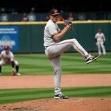 """John Means, de los Orioles, lanza un """"no-hitter"""" contra los Mariners"""