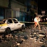 Muchos mexicanos durmieron a la intemperie tras el poderoso terremoto de 7.1