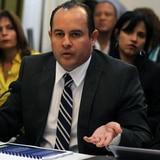 Senado cuelga nombramiento interino de Jesús González a Educación