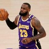 LeBron James regresa a cancha, pero no evita el revés de los Lakers
