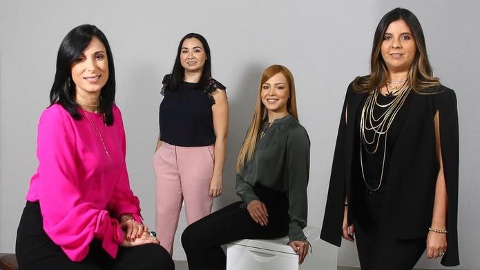 Desde la izquierda, Linette M. Torres, fundadora de Blend, Zaigret Canals, directora creativa, Gabriela Franquiz, ejecutiva de cuentas, y Melina Martínez, también fundadora de la agencia.
