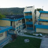 Colegio de Ingenieros contradice al secretario de Educación sobre informe de escuelas