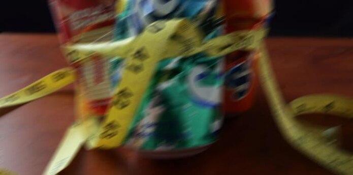 """""""El consumo frecuente de bebidas gaseosas azucaradas incrementa la ingestión de energía lo cual puede conducir al aumento de peso y la obesidad"""", señaló el estudio. (Archivo)"""