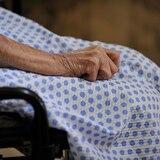 Suman 23 contagios y dos muertes por coronavirus en hogar de ancianos en Carolina