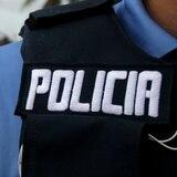Pistolero roba auto a repartidor de periódicos en Vega Alta