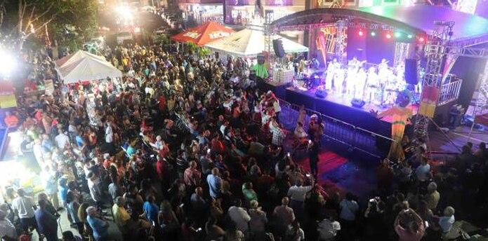 Este evento es el primero de varios que se celebrarán en la Plaza Rafael Hernández. (Para Primera Hora / Léster Jiménez)