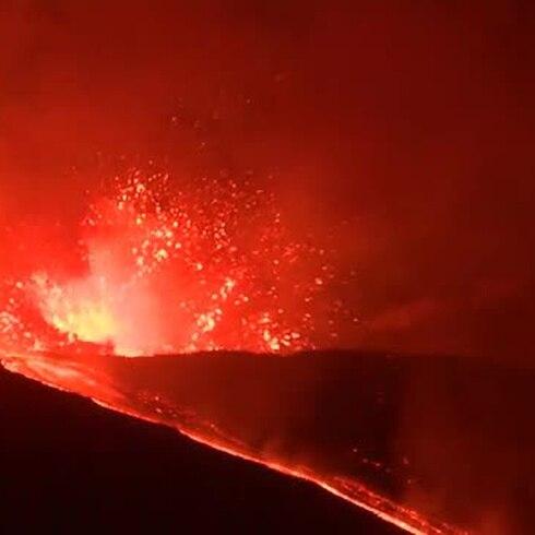 Vuelve a rugir el volcán Etna