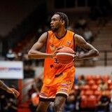 Paris Bass repitió el campeonato de anotaciones del Baloncesto Superior Nacional