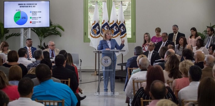 Yulín Cruz reiteró que esos $7 millones que están destinados para el plebiscito se pueden utilizar para comprar libros y arreglar escuelas.  (Suministrada)