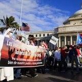 Cientos marchan y oran por la AEE