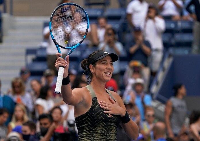 Garbiñe Muguruza festeja su victoria sobre la bielorrusa Victoria Azarenka en la tercera ronda del US Open.