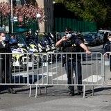 Ataque a puñaladas en Francia deja tres policías heridos