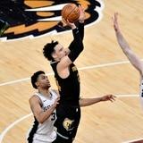"""Los Grizzlies siguen con vida tras eliminar a los Spurs en el torneo """"play-in"""""""