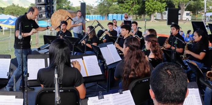 La competencia de bandas contó con la participación de siete grupos escolares de los pueblos de Yauco, Ponce, Cidra, Caguas, Mayagüez, San Juan y Arecibo. (Suministrada)