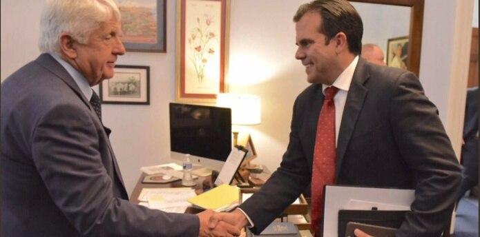 El gobernador ha tenido reuniones con figuras como el presidente del Comité de Recursos Naturales de la Cámara de Representantes, el republicano Rob Bishop. (Facebook)
