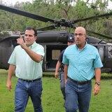 Rosselló y Ferrer se unen en visita a damnificados