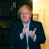 Primer ministro británico pasa la noche en intensivo