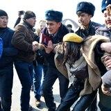 Decenas de detenidos en marcha en el Día Internacional de la Mujer