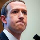 Mark Zuckerberg pierde $5,900 millones tras la caída de Facebook