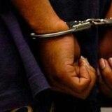 Arrestan joven por obstrucción a la justicia en balneario de Carolina