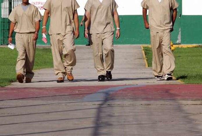 """Los presos que participen en el programa voluntariamente tienen que haber presentado un buen comportamiento en la cárcel.&nbsp;<font color=""""yellow"""">(Primera Hora / Archivo / Juan Luis Martínez)</font>"""