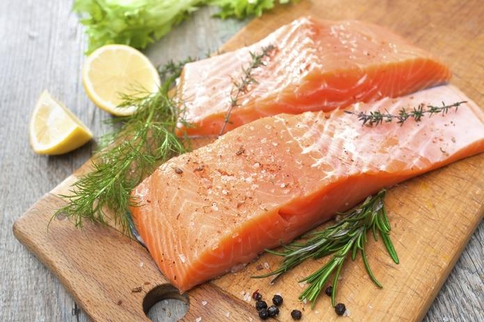 El pescado es bien versátil, bajo en calorías, fácil de cocinar y digerir.