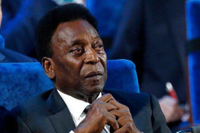 """La cirugía fue una """"gran victoria"""", aseguró Pelé ayer en sus redes sociales."""