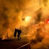 Agentes enviados por Trump usan gas lacrimógeno contra manifestantes en Portland