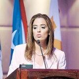 Senadora pide a Rosselló que defienda la isla ante recortes federales