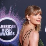 """Taylor Swift bate récords con """"Folklore"""""""