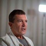 Antonio Banderas anuncia que dio positivo a Covid-19