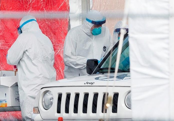 Nueva York obliga a fuerza laboral a quedarse en casa por coronavirus
