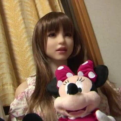 Japoneses encuentran el amor... en muñecas de silicona