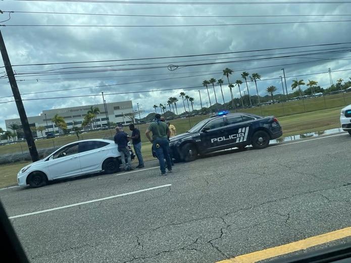 Las autoridades multaron y ocuparon el vehículo para fines de inspección de un hombre que es investigado por presunto acoso contra conductoras.
