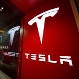 Un hombre ruso confiesa plan de ciberataque a Tesla